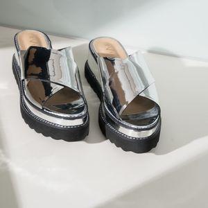 Anthropologie Vicenza Silver Black Sandals